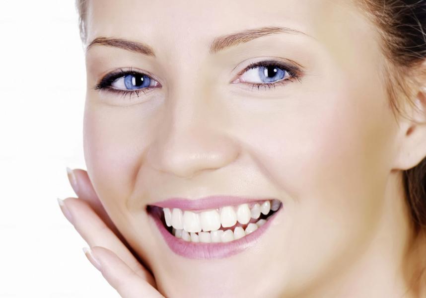Fogászati héj készítése, élpótlás az ép fogak lecsiszolása nélkül - Kútvölgyi Premium Dental fogászat, Budapest