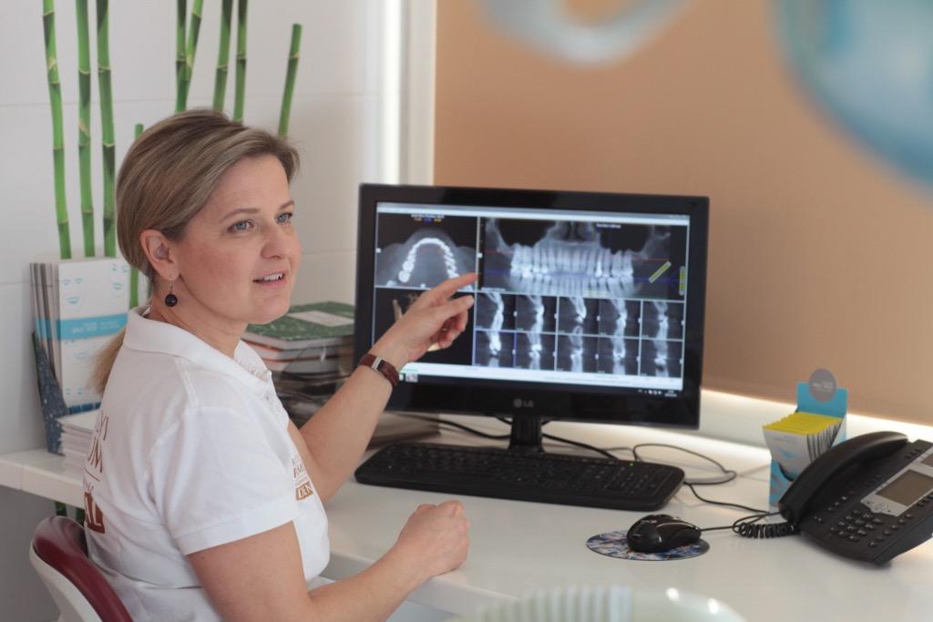 Fogszakorvosi konzultáció, amely az Ön számára INGYENES is lehet - PREMIUM DENTAL fogászat, Budapest